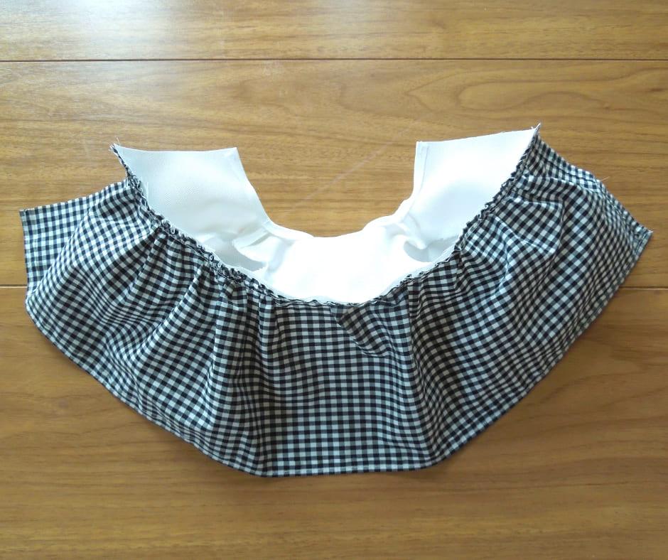 上半身とスカートを縫い合わせる