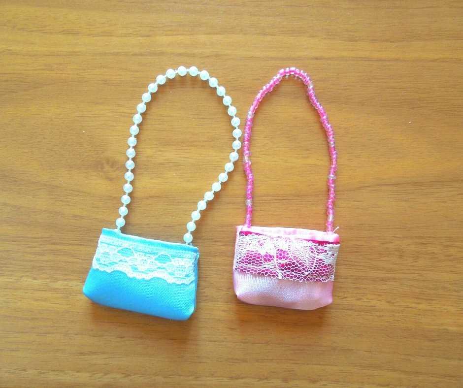 リカちゃんサイズのショルダーバッグ 公式バッグとの比較