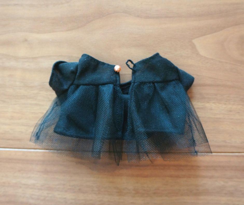 糸ループを使った服