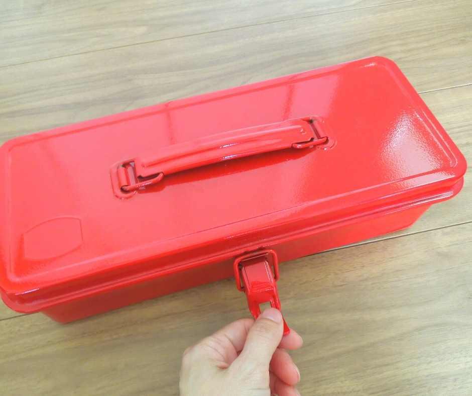 TOYOスチール製工具箱