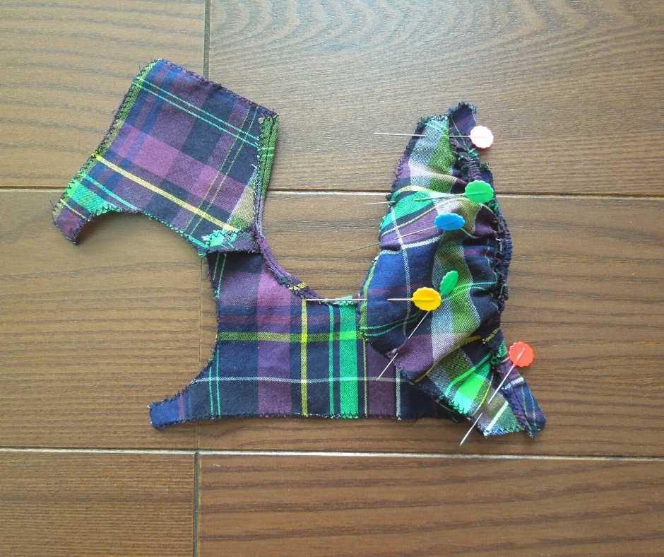 袖を身頃に縫い付ける