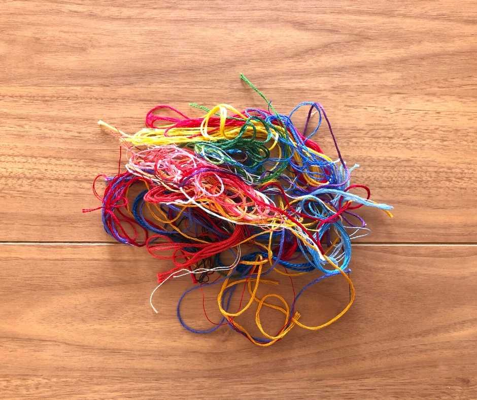 刺しゅう糸使用後はぐちゃぐちゃ