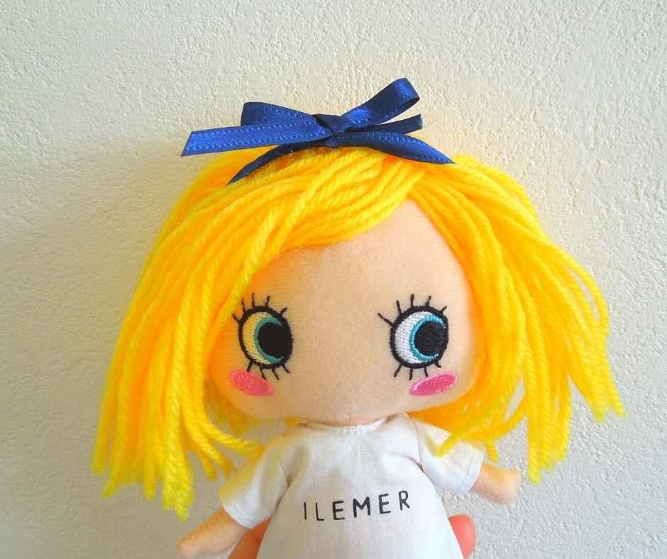 イーマリー リボンでヘアアレンジ
